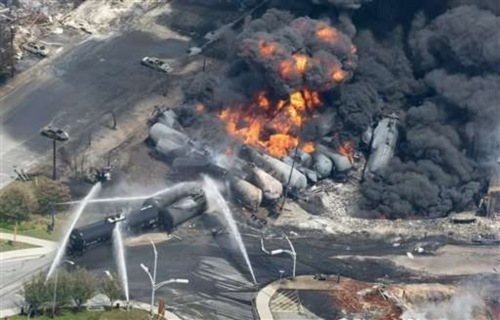 Explosion-d-un-train-a-Lac-Megantic-au-Quebec_article_popin